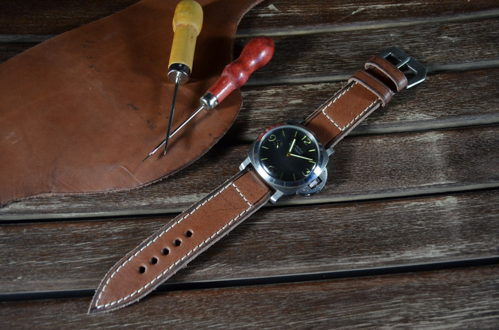 VETUS 2 is one of our hand crafted watch straps. Available in brown havana color, 4 - 4.5 mm thick.