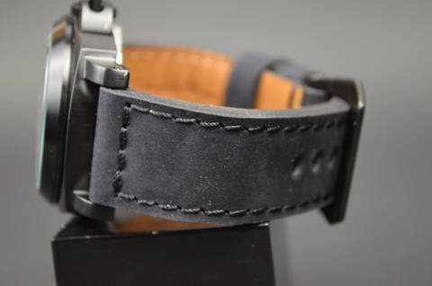 BLACK I is one of our hand crafted watch straps. Available in black color, 4 - 4.5 mm thick.