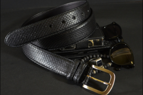 35MM EXOTIC PYTHON BLACK MATTE is one of our hand crafted belts, made with exceptional quality python back matte. Available in black color, 35 mm wide & 3.5 - 4 mm thick.