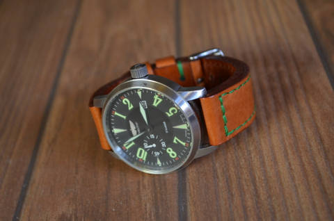 HAVANA GR is one of our hand crafted watch straps. Available in havana color, 5.5 - 6 mm thick.