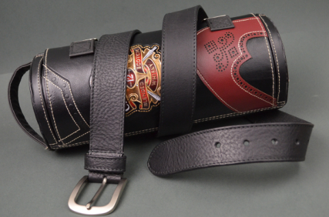 35MM CALF CLASSIC BLACK is one of our hand crafted belts, made with exceptional quality calf saddle leather. Available in black color, 35 mm wide & 4 - 4.5 mm thick.