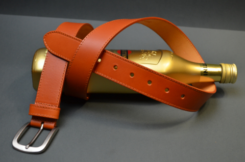 35MM CALF CLASSIC HAVANA is one of our hand crafted belts, made with exceptional quality calf saddle leather. Available in havana color, 35 mm wide & 4 - 4.5 mm thick.