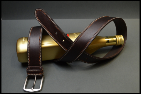 35MM CALF CASUAL BROWN is one of our hand crafted belts, made with exceptional quality calf saddle leather. Available in brown color, 35 mm wide & 4 - 4.5 mm thick.