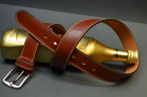 35MM CALF CASUAL HAVANA is one of our hand crafted belts, made with exceptional quality calf saddle leather. Available in havana color, 35 mm wide & 4 - 4.5 mm thick.
