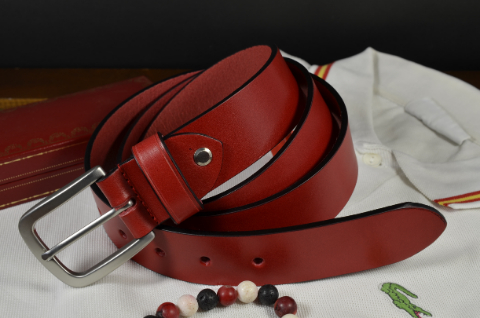 35MM CALF CLASSIC RED is one of our hand crafted belts, made with exceptional quality calf saddle leather. Available in red color, 35 mm wide & 4 - 4.5 mm thick.