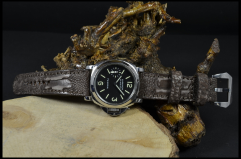 NUBUK BROWN FANTASY MATTE is one of our hand crafted watch straps. Available in brown fantasy color, 4 - 4.5 mm thick.