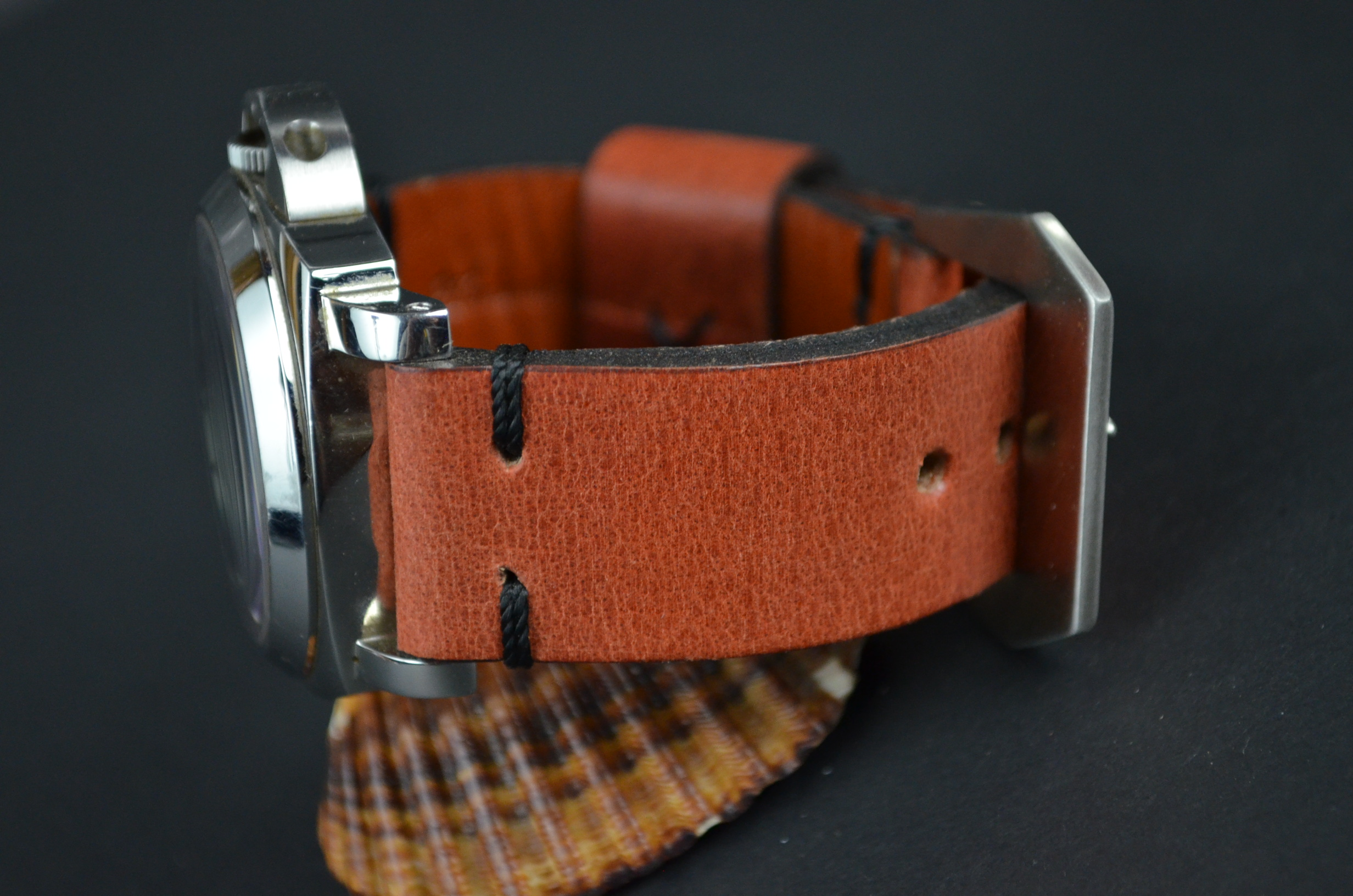 JABUGO is one of our hand crafted watch straps. Available in terracotta color, 4.5 - 5 mm thick.