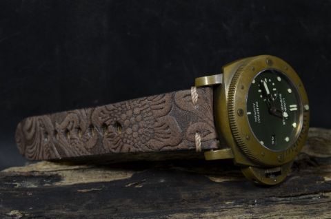 HISPANO III is one of our hand crafted watch straps. Available in brown havana color, 4 - 4.5 mm thick.