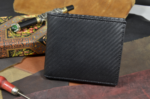 ROMA - CALF 9 CARBON BLACK is one of our hand crafted wallets, made using calf leather & calfskin / textil in the interior. Available in black color.
