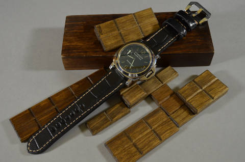 BLACK III SQUARE SCALE is one of our hand crafted watch straps. Available in black color, 4 - 4.5 mm thick.